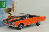 1:18 GREENLIGHT PLYMOUTH BELVEDERE GTX CONVERTIBLE1967 orange