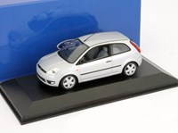 1:43 MINICHAMPS FORD FIESTA 2001 COUPE