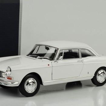1:18 NOREV PEUGEOT 404 COUPE WHİTE