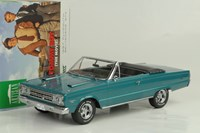1:18 GREENLIGHT PLYMOUTH BELVEDERE GTX CONVERTIBLE1967  yeşil